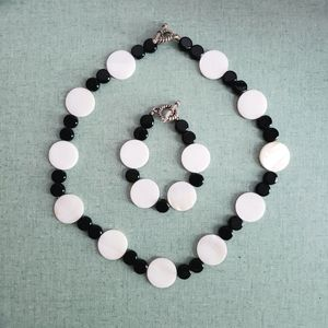 White and black disc necklace and bracelet set